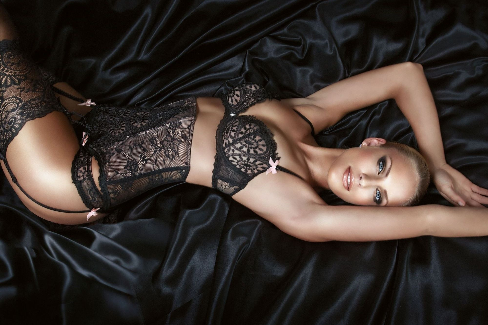 Gothic Lingerie Wallpapers