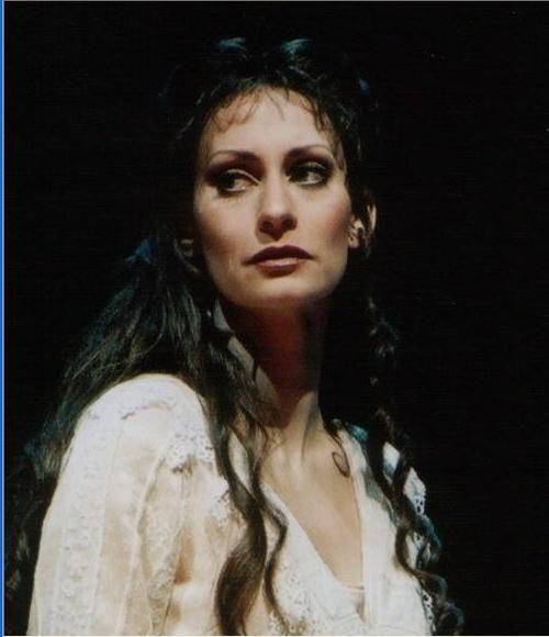 Pia Douwes Elisabeth Musical Merken
