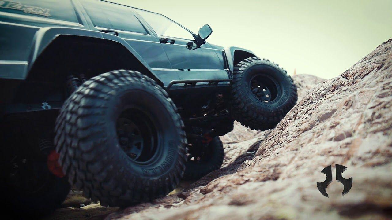Axial SCX10 II 2000 Jeep Cherokee Canyon Crawl Part 1