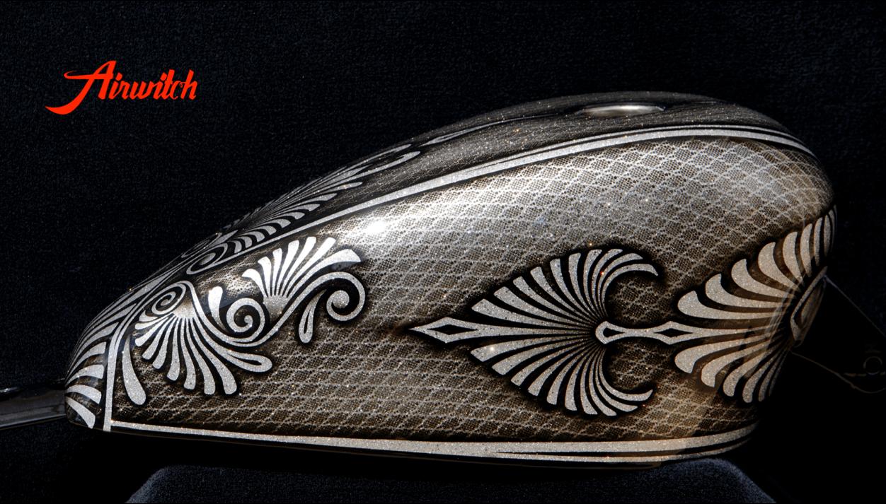 67f0456bfda098 Custom Painting Harley Davidson Sportster Tank mit Metalflakes | B ...