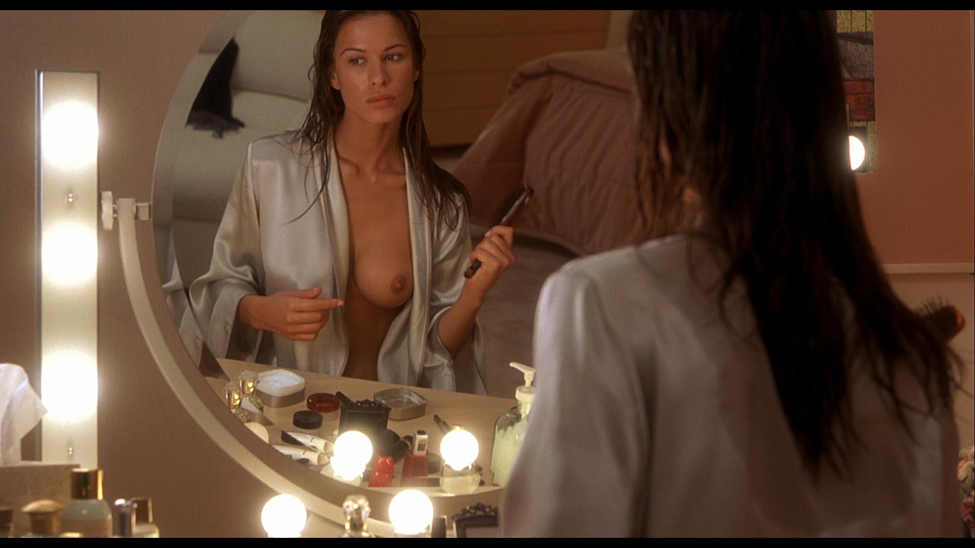 Hollowman nude scene images femalecelebrity