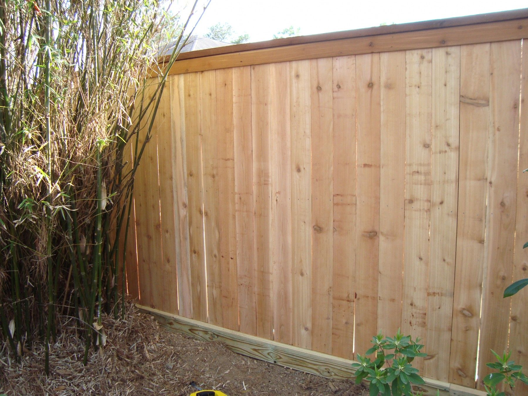 6 Ft Cap Top Fence With 2x6 Rot Board 2x6 Cedar Cap With 1x4 Cedar Trim Cedar Wood Fence Cedar Fence Wood Fence