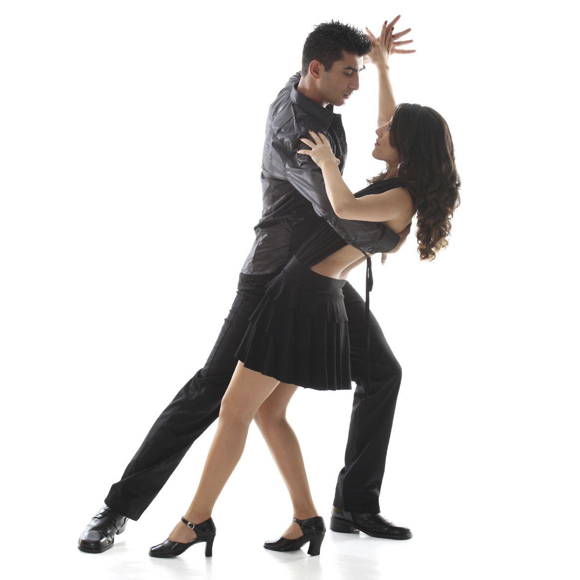 La salsa és un tipus de ball que es balla en parelles o grup, té el seu origen al segle XVII. Hi ha molts estils d'aquest ball com per exemple l'estil Cumbia, l'estil Los Ángeles o l'estil Nova York entre altres.