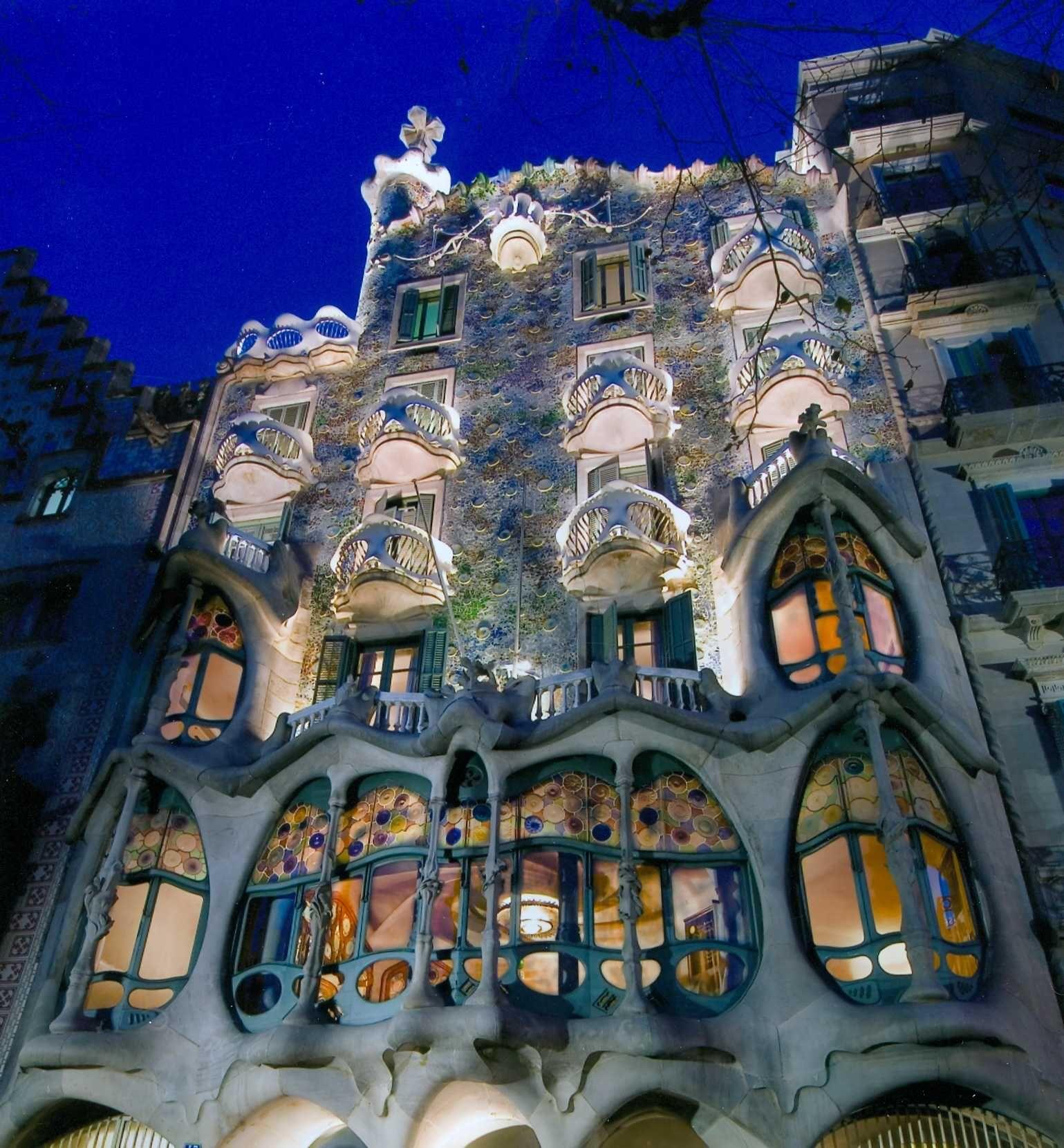 Antoni Gaudí - Casa Batlló - Barcelona, Spain