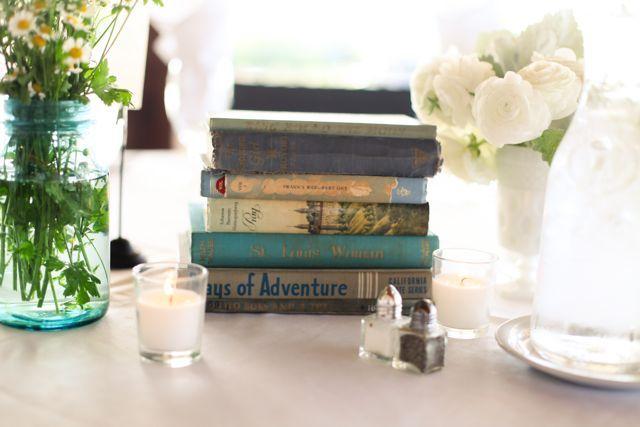 Vintage books as table decor. Cate Jackson Photography www.catejacksonphoto.com