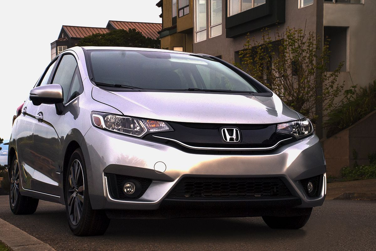 The Fit May Be A Compact Car But You D Never Guess By The Size Of Its Interior It S Perfect For Long Drives Honda Fit Honda Car
