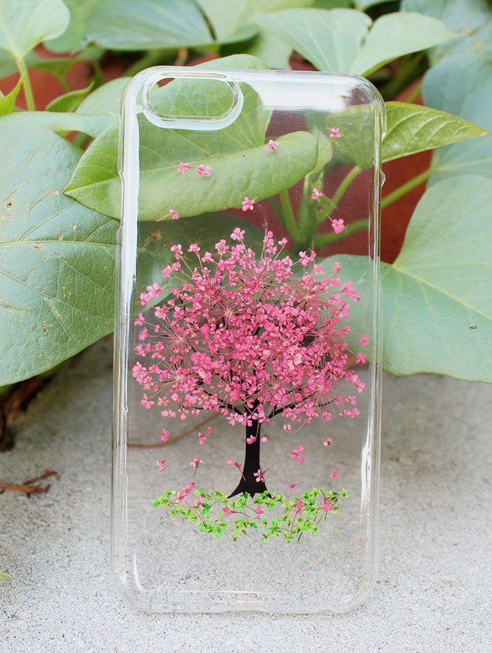 5540f3ba406 Increíbles fundas para el celular con flores reales para celebrar la ...
