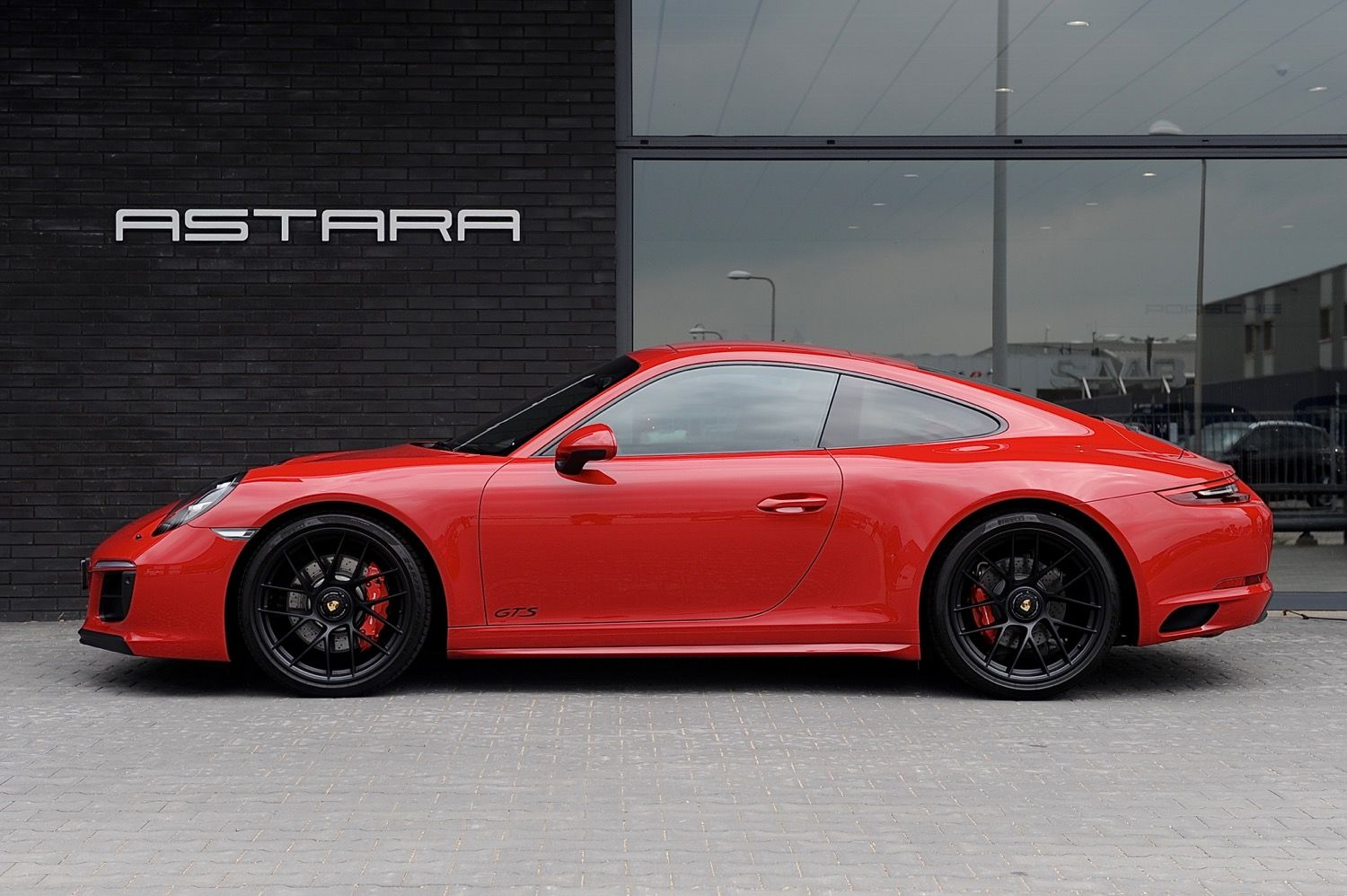 Porsche 991 4 Gts Coupe Built In 2017 Sporty Design In Carmine Red With Black Leather Alcantara And Gts Interior Package Porsche 991 Black Porsche Porsche
