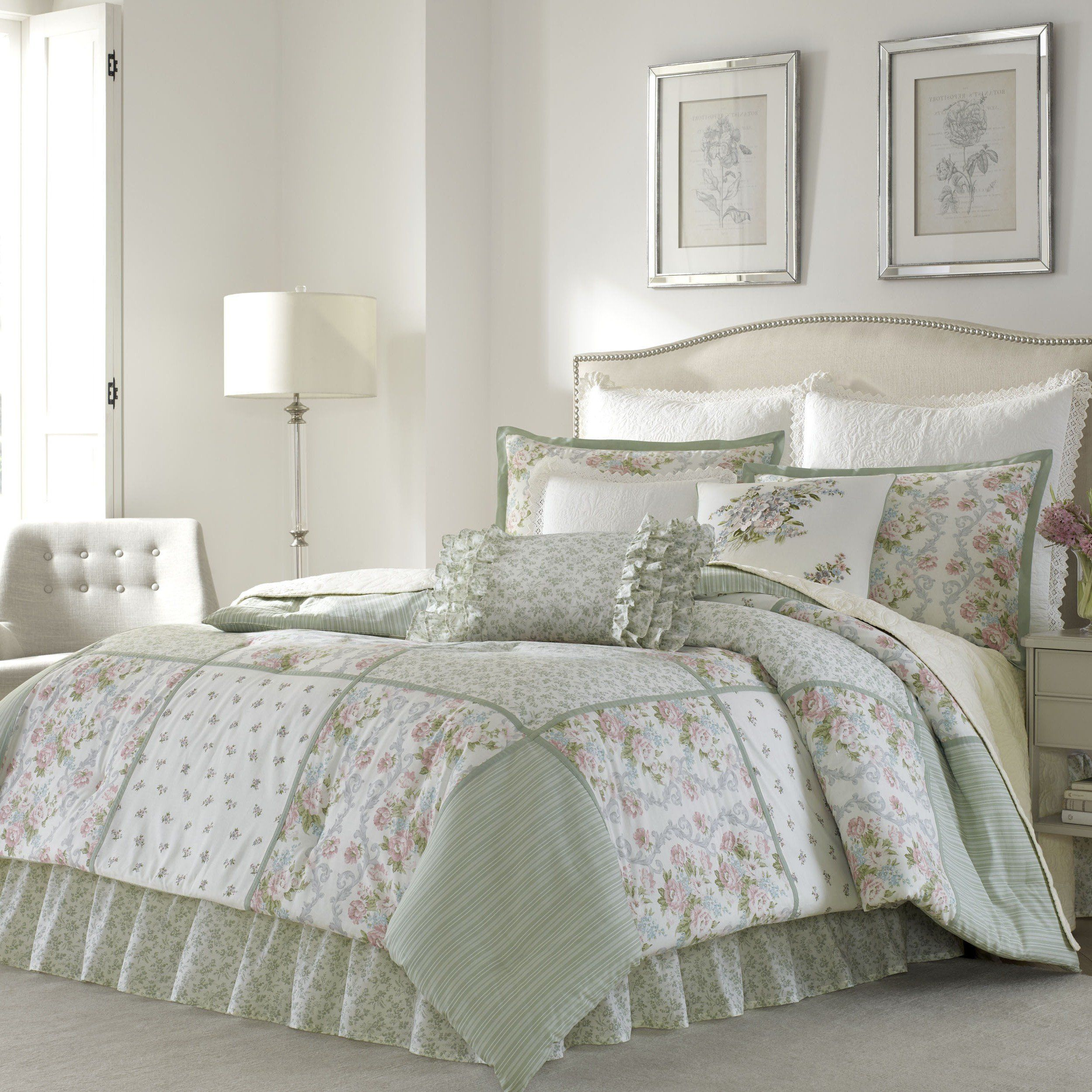 Best 4 Piece Queen Floral Comforter Set Allover Adorable Flower 640 x 480