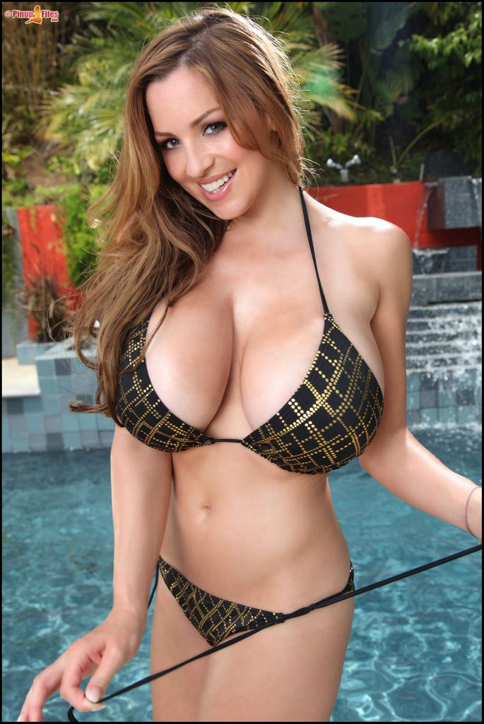 Enormous Tits Model - Jordan Carver big tits in bikini (12 Pictures) - Sexy Models