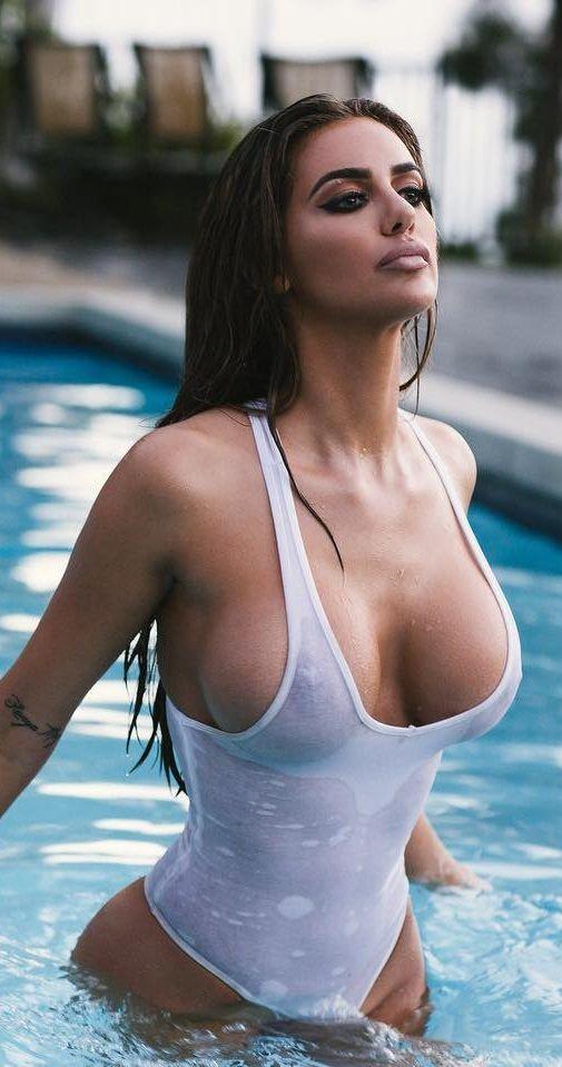 Charlotte McKinney Nude Photos &