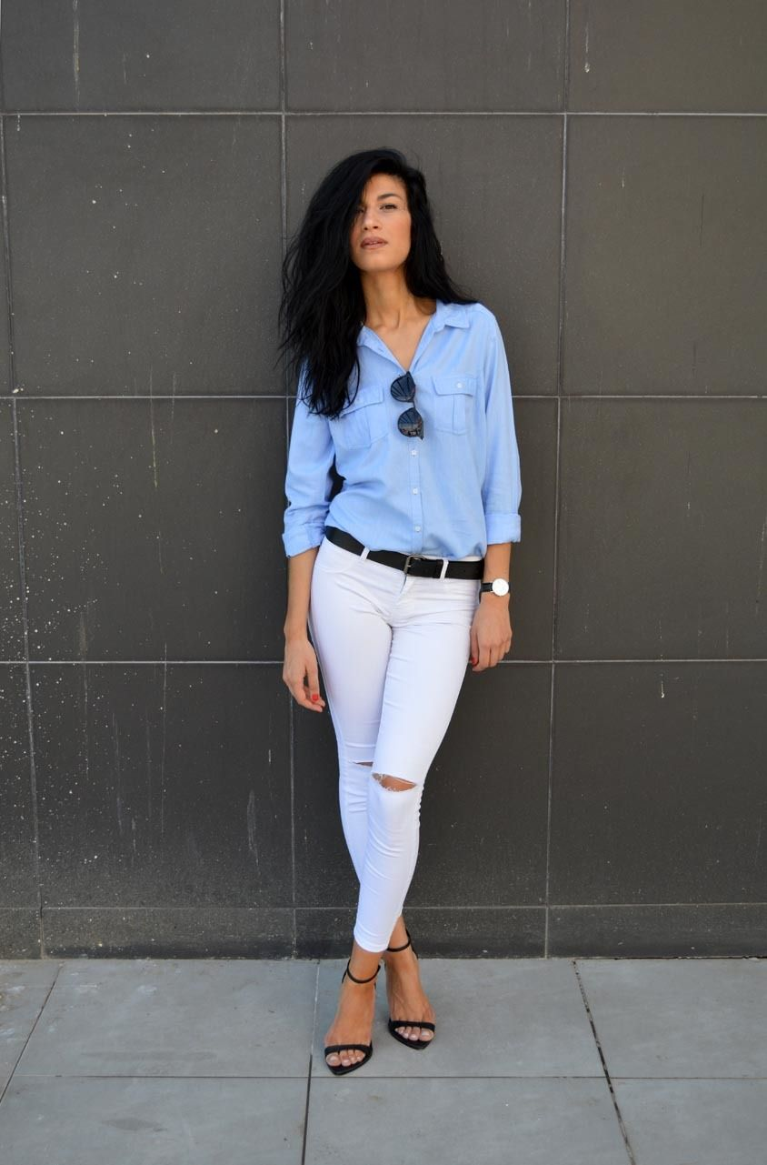4b45cb0896b To create an outfit for lunch with friends at the weekend make a light blue  button