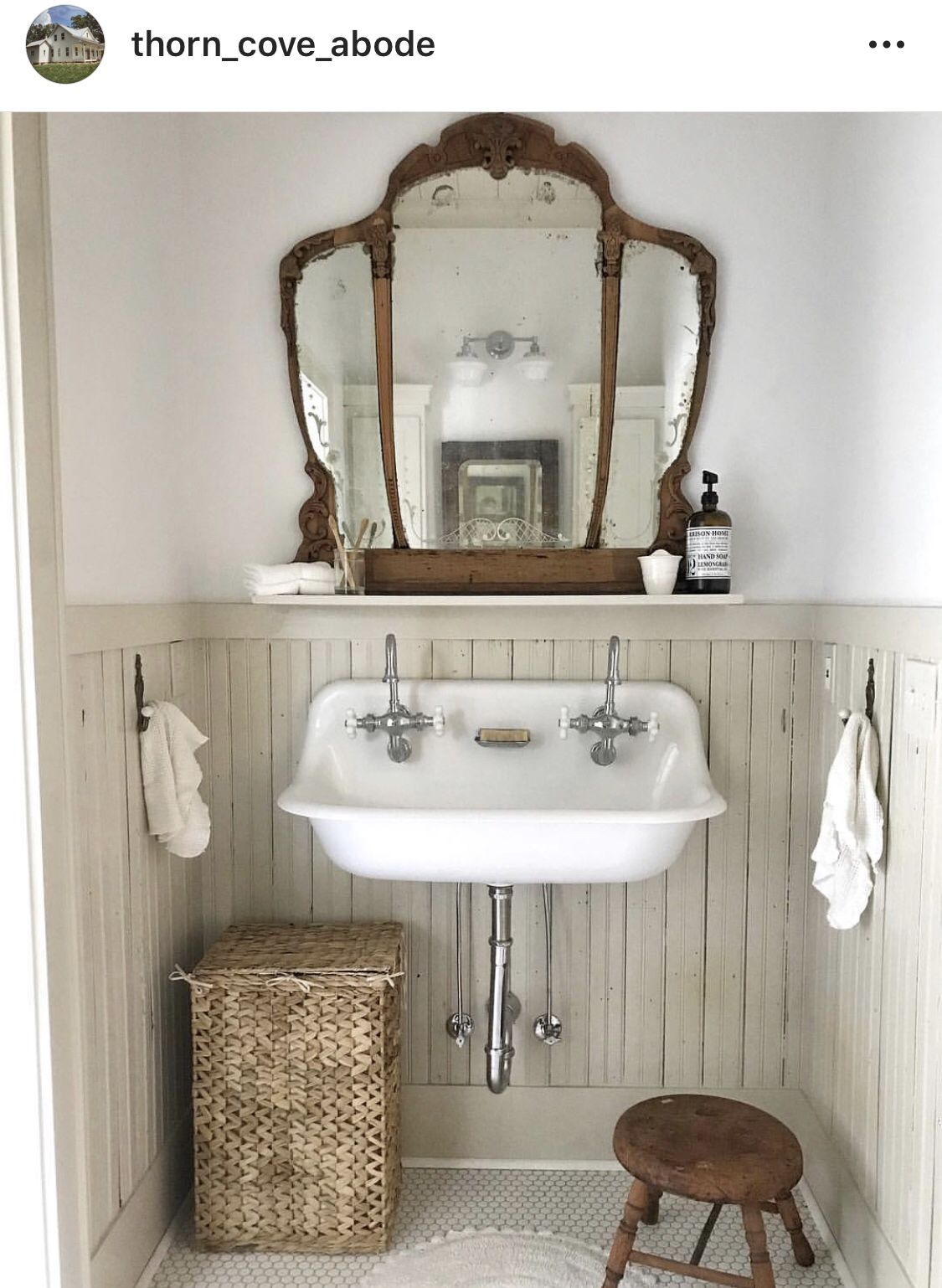 Pin By Sweetoldegahome On Cottagey Bathrooms Farmhouse Bathroom Decor House Bathroom Vintage Bathroom