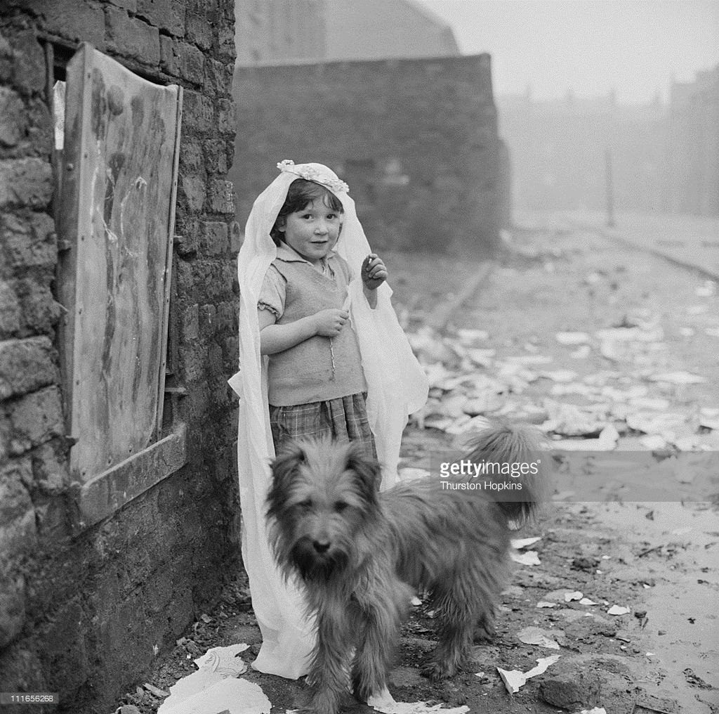 Picture Post - 8995 - Liverpool Slums - unpub. (Photo by Thurston Hopkins/Picture Post/Hulton Archive/Getty Images)