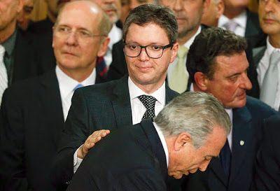 Após gravação ministro da Transparência decide sair do cargo: ift.tt/1TSuNKR