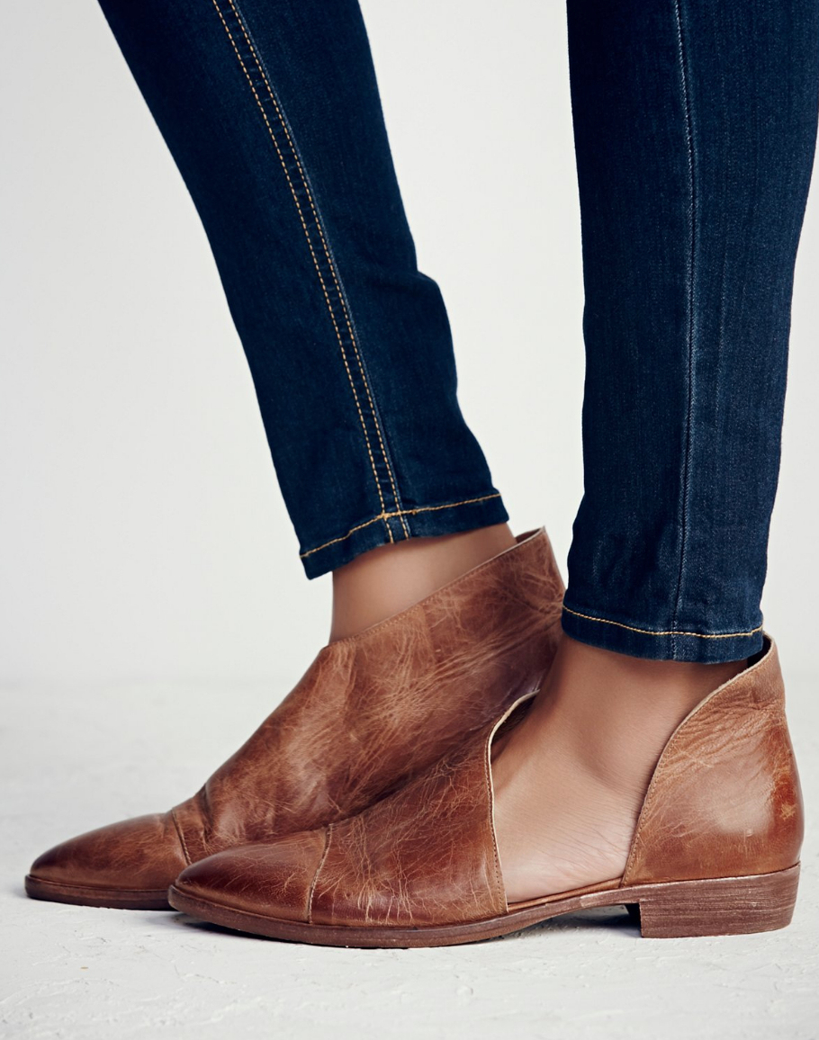 f27c08f58 Free People Royale Flat in Taupe