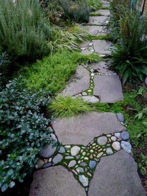 gartenwege gestalten steinplatten kies gartenpflanzen bodenbelag ...