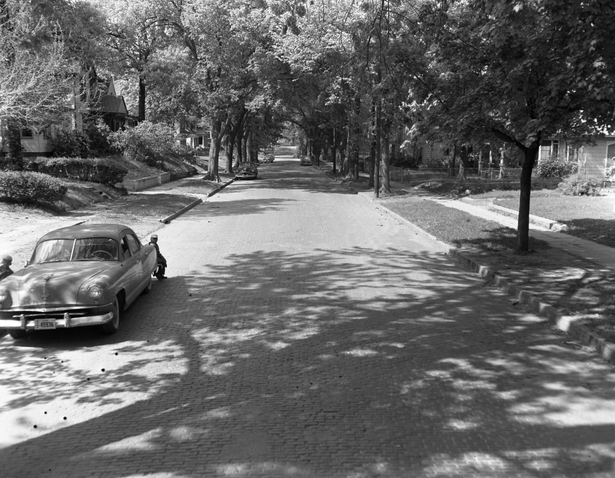 Brick Streets Typical In Many In Des Moines Neighborhoods 1950 S