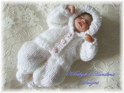 Tiny hooded suit pattern 4-7 inch dolls-hooded suit