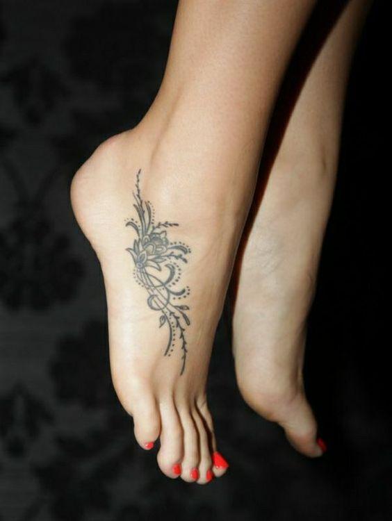 1001tattoo Fuß Ideen Stilvoll Im Trend Bleiben Tattoo