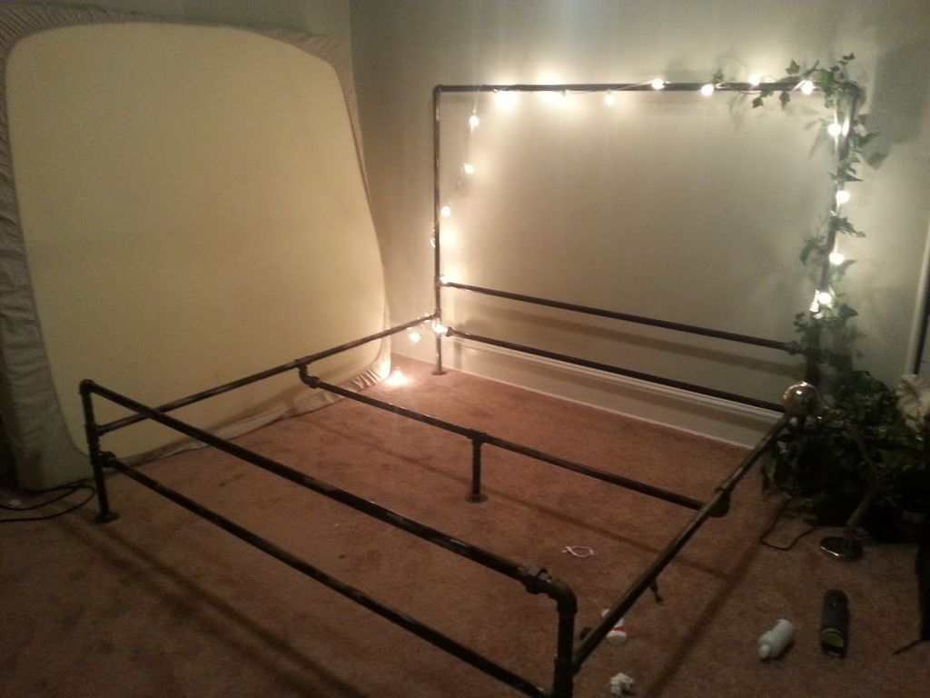 A Soft Industrial Pipe Bed Frame Get Crafteeee Pipe Bed Diy Bed