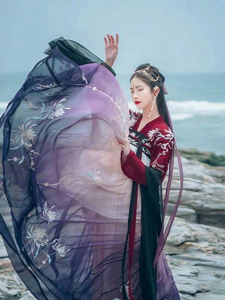 Pin by Chloe Fletcher on 赖怡君 2019 Chinese princess dress