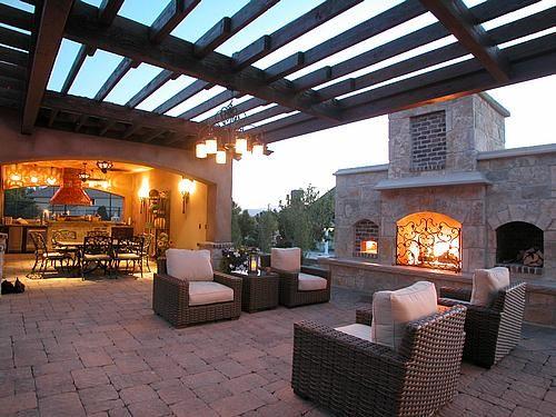 Outdoor Living Area Under A Pergola Lovely Patios Exteriores