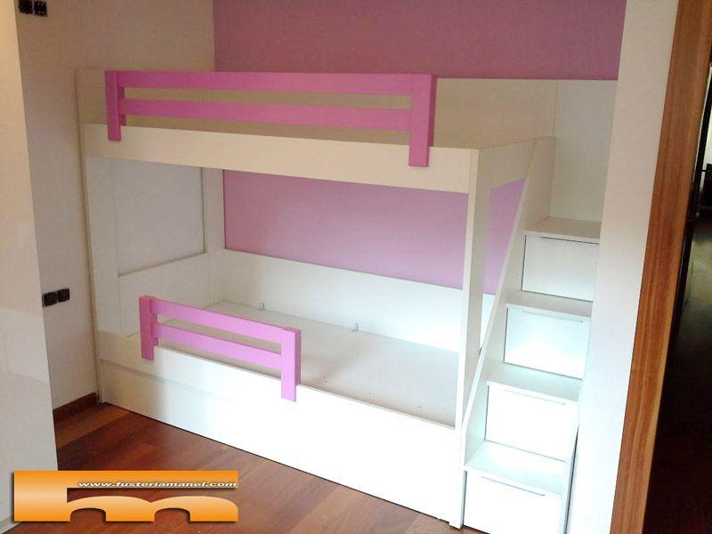litera a medida encajada entre pared y pared realizada en melamina de color con barandillas