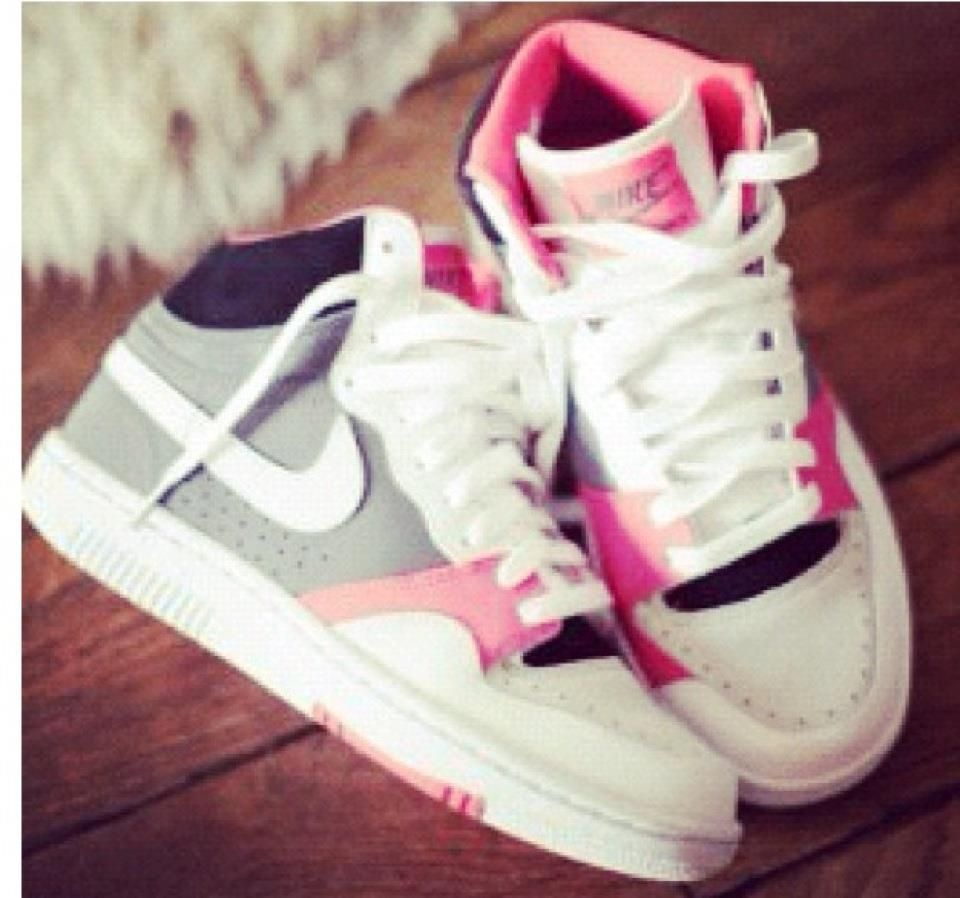 I really want these same exact Nike's......