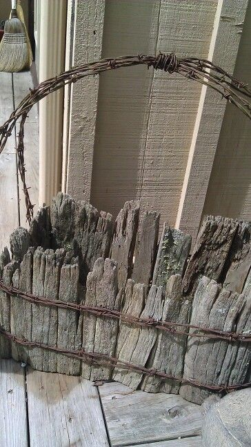 Pin By Shelly C On Barbed Wire Barn Wood Crafts Barb