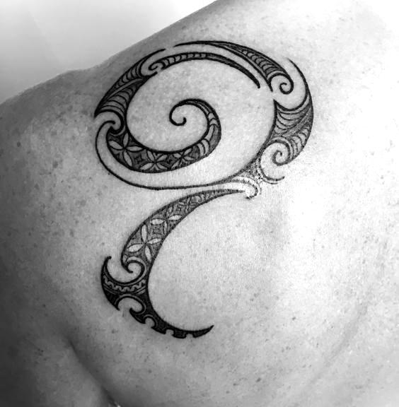 Female Ta Moko On Lips And Chin: Blade Tattoo, Tattoos