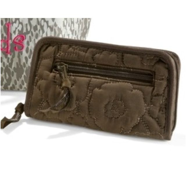 Brown quilted poppy soft wallet from Thirty One! Room for checkbook, many cards and more!