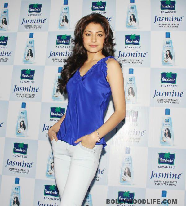 #AnushkaSharma denies dating #ArjunKapoor