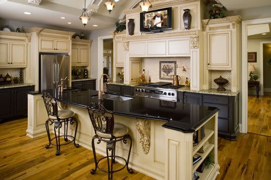 kitchen photos with upper and lower cabinets in different colors