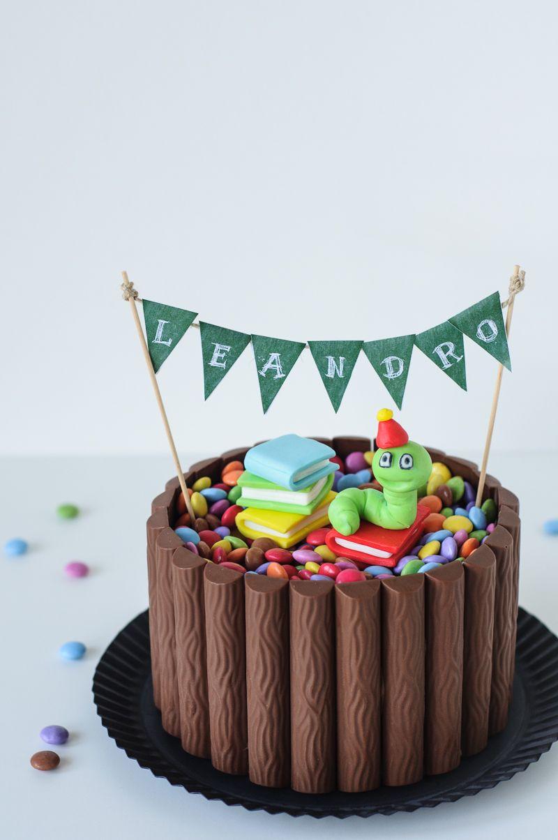 Zur Einschulung Leckerer Schoko Nuss Kuchen Mit Schokoriegel Deko Trickytine Kuchen Einschulung Torte Einschulung Schoko Nuss Kuchen