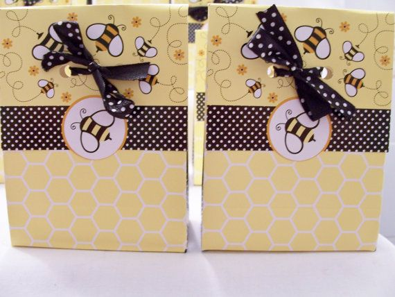 SALE PRICE  12 Bumblebee favour bags  by SparkleandComfort on Etsy