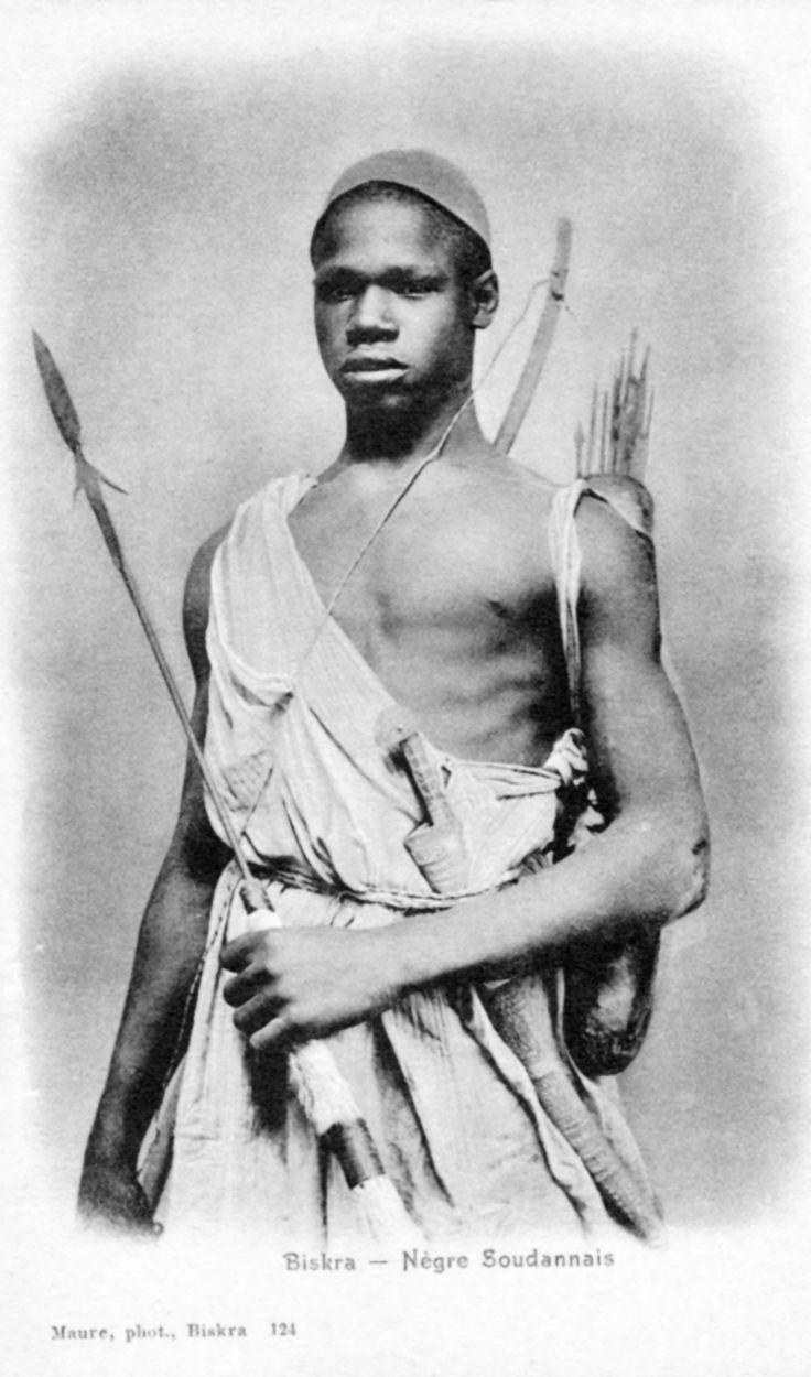 "Africa   ""Biskra - Nègre Soudannais"".     Vintage postcard; publisher Maure.  No 124"