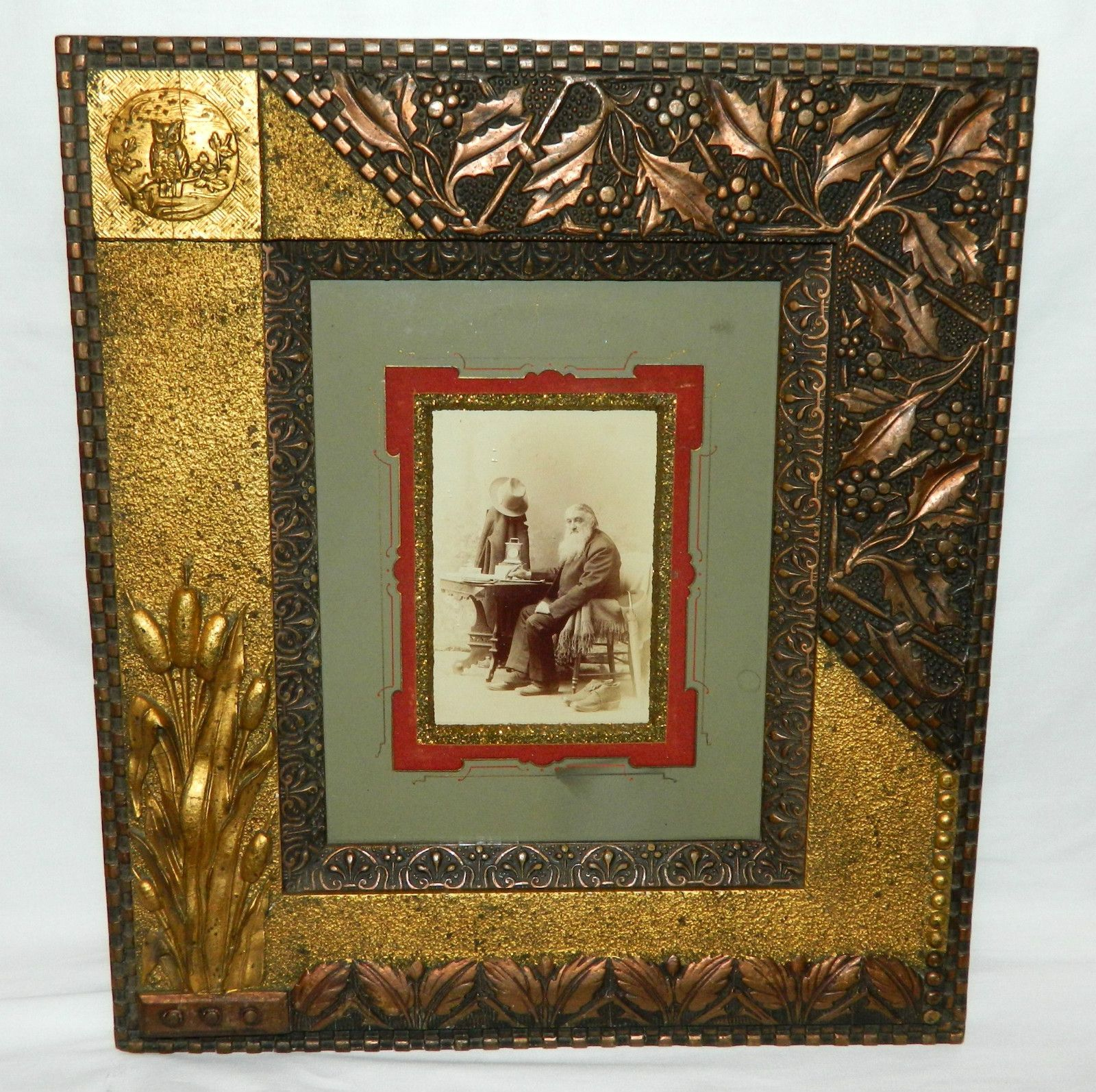 Aesthetic movement picture frame gold copper gilt owl holly aesthetic movement picture frame gold copper gilt owl holly bullrushes jeuxipadfo Gallery