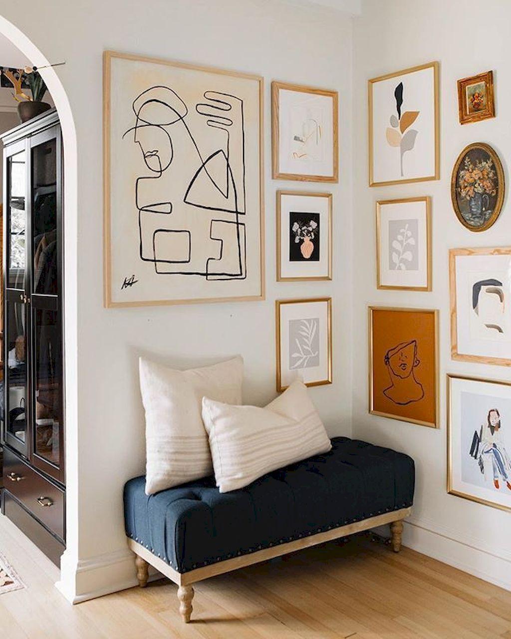 Simple Bedroom Cozy Arrangements Ideas Gallery wall