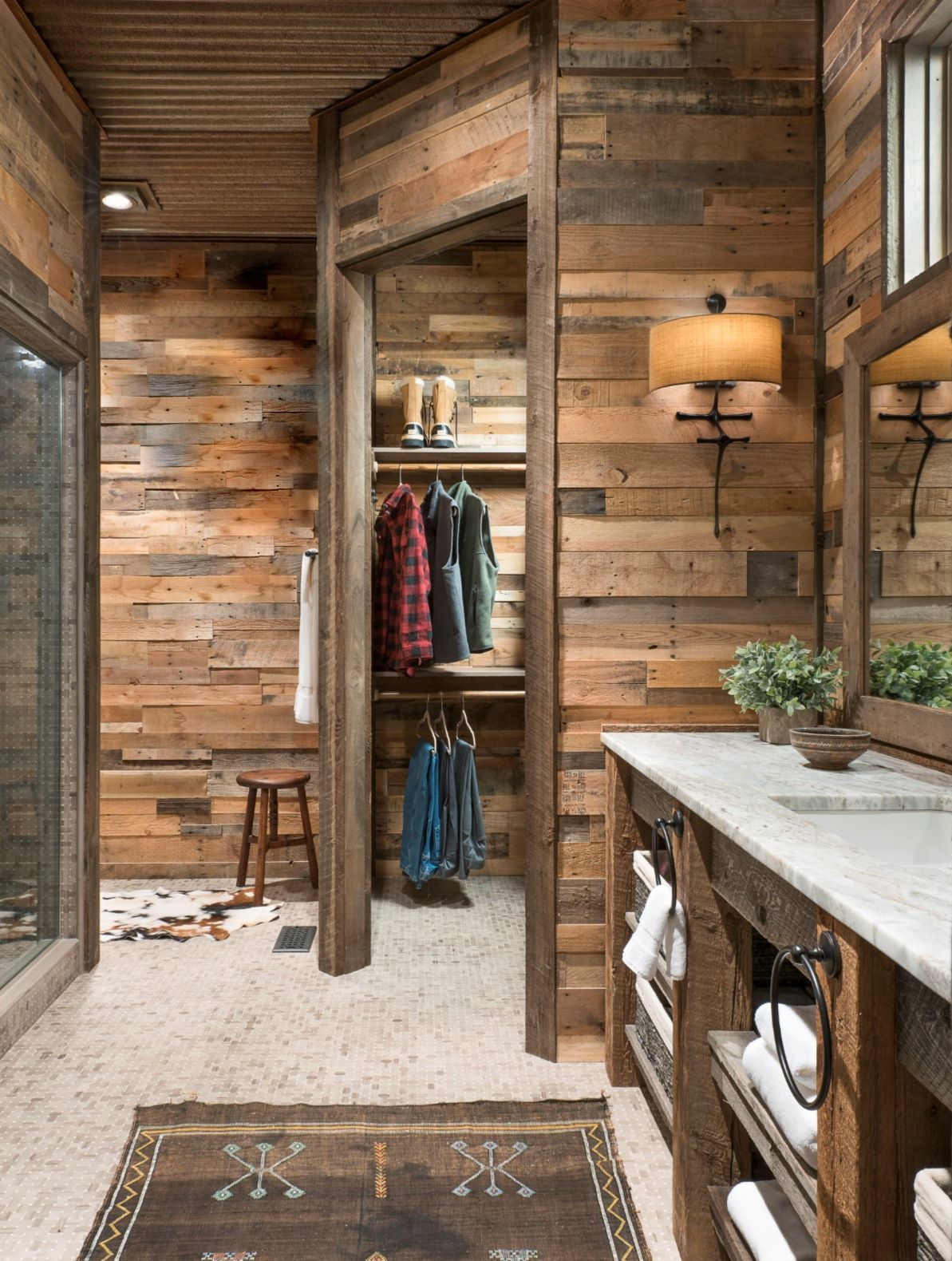 great photo of our prefabricated recycled pallet wood wall on pallet wall id=43128