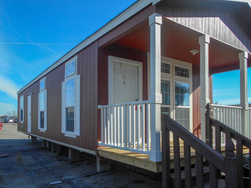 Halbert 16 X 40 606 sqft Mobile Home | Our Burleson, TX sales center