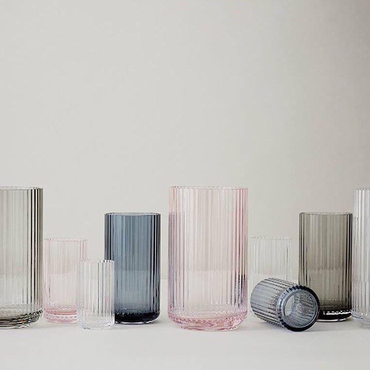 Roses are red and violets are... @lyngbyporcelain #porcelænsfabrikkendanmark #porcelain #porcelæn #monogram #lyngbyglass #sunday #vases