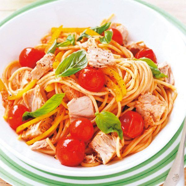 Vermicelli con tonno fresco, pomodorini e peperoni gialli