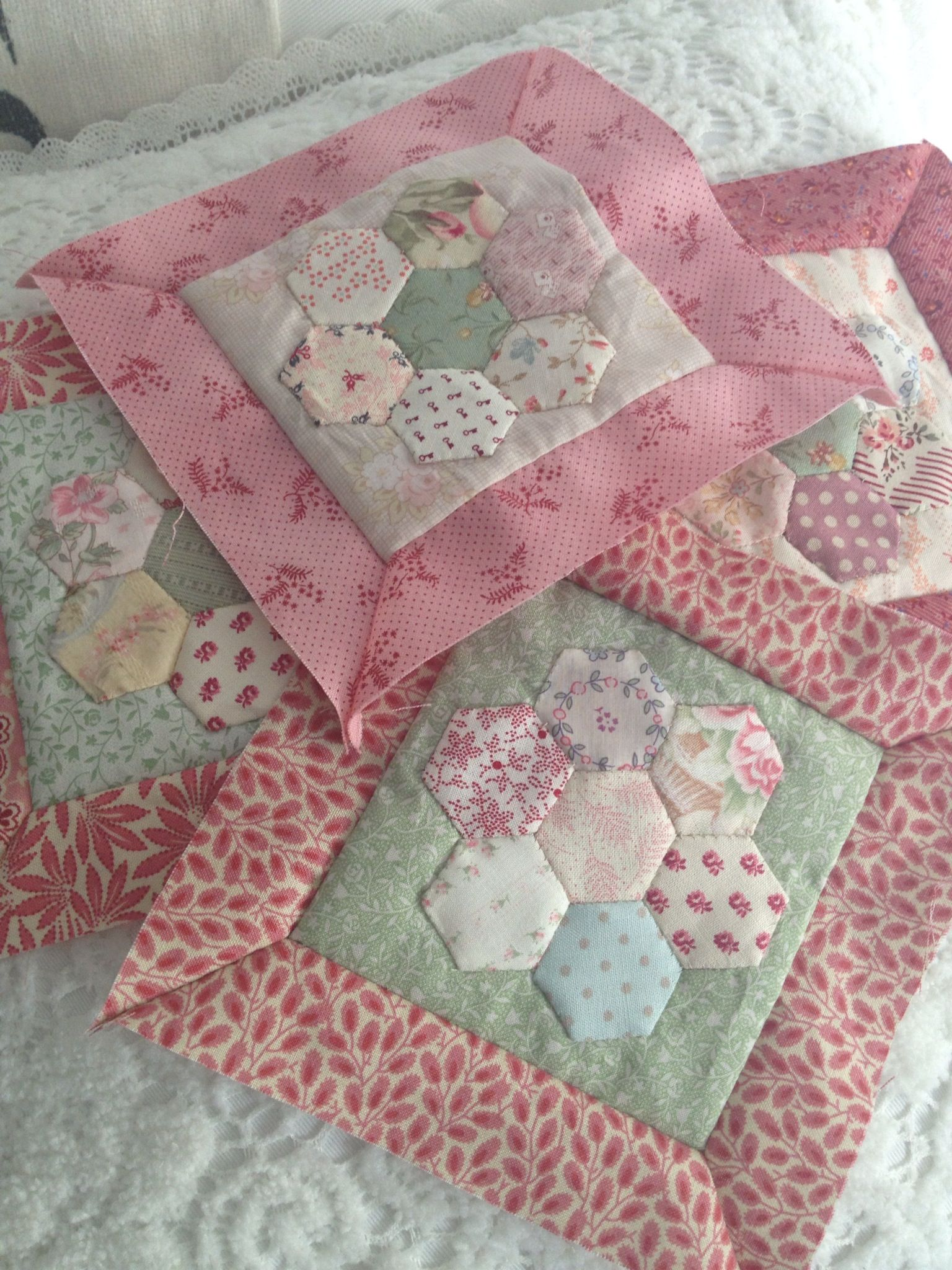 So pretty! Really like not soooo many hexies but enough to make ... : how to make hexagons for quilts - Adamdwight.com