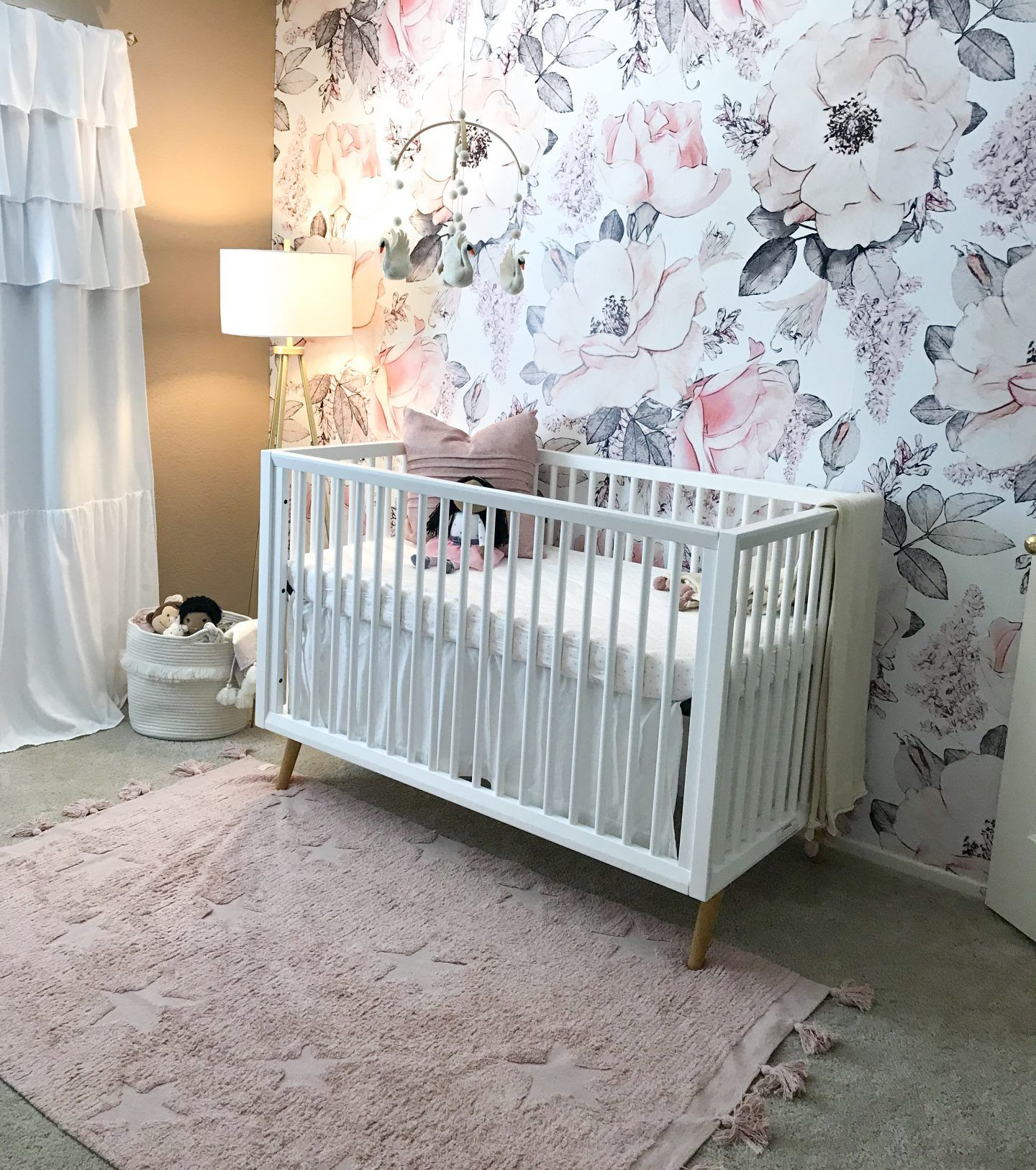 Por Orange County Lifestyle Blogger Dress Me Blonde Is Super Excited To Share Her Baby Nursery On Blog Today Click Here Now See Where