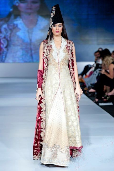 Latest style dresses pakistani