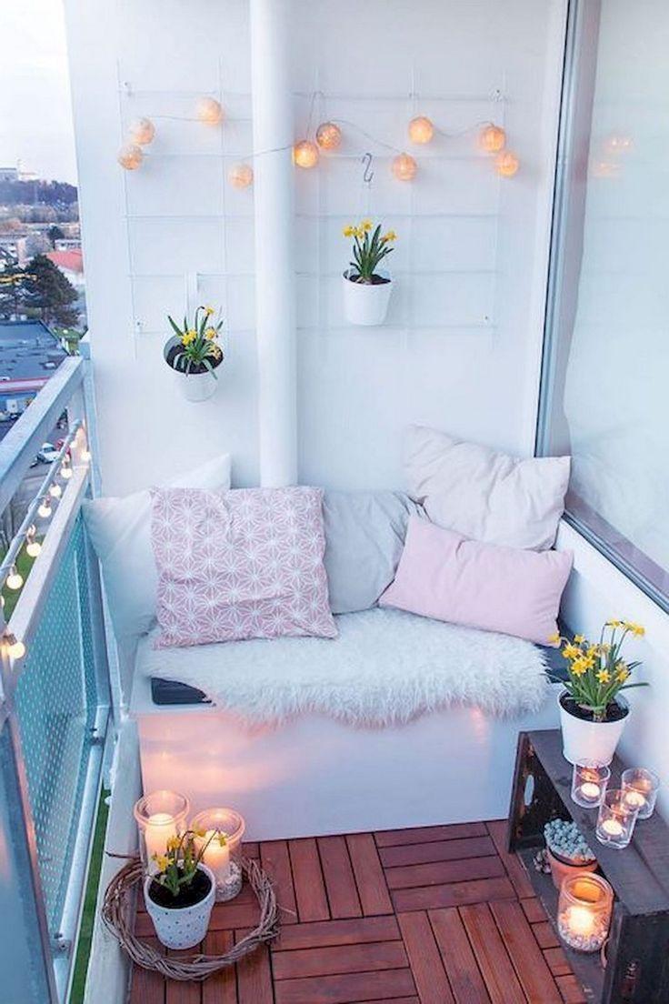 80+ Beste kleine Wohnung Balkon Deko-Ideen #apartmentbalconydecorating