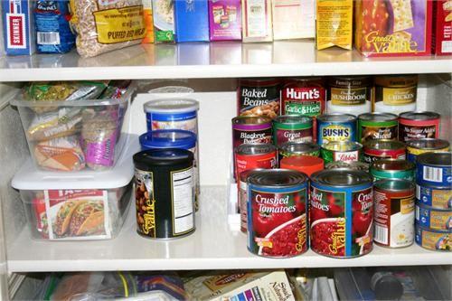 food_storage_idea_012    Enjoy, Share :) http://www.myfoodstorage.com/