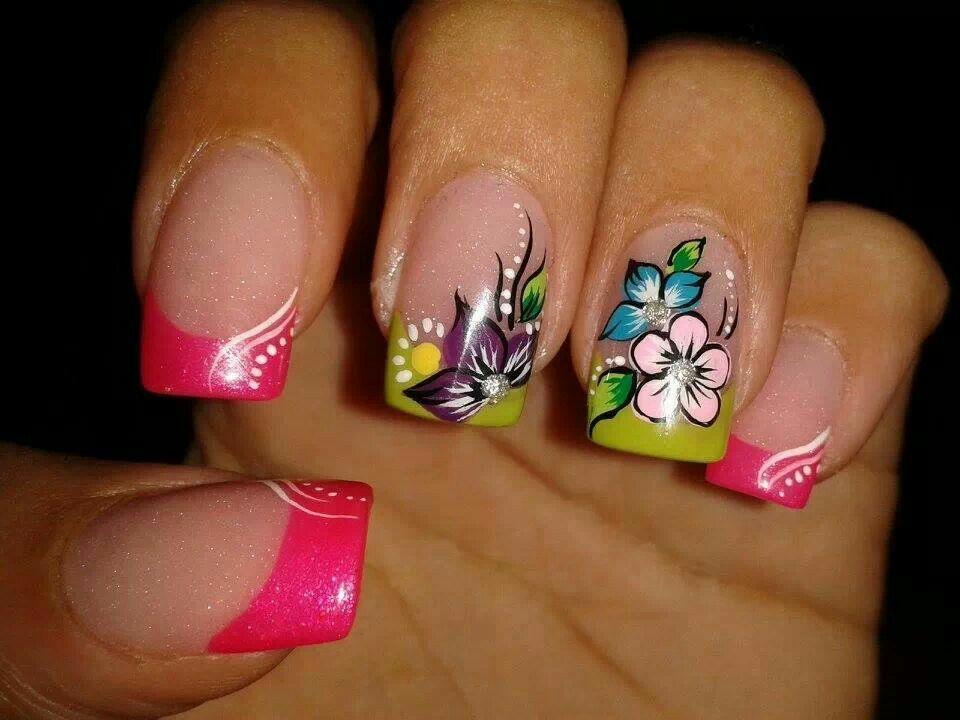 Flores   Diseños de uñas mariposas, Uñas anchas y Arte ...