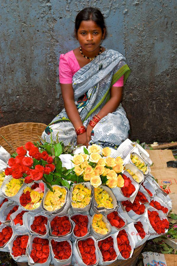 Flower Sellers at Dadar Flower market, Flowers for sale